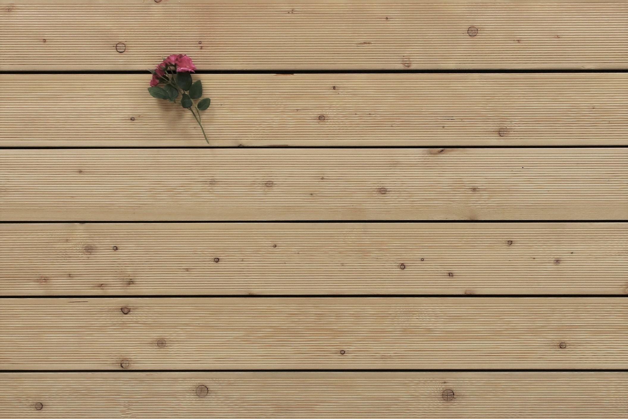 Holzterrasse Sibirische Lärche, fein gerillt, AB Sortierung, 26 x 143 bis 6000 mm Dielen, Holz Bretter für die Terrasse, 6,95 €/lfm