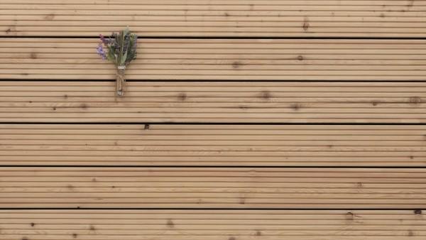 Holzterrasse Sibirische Lärche, grob genutet, AB Sortierung, 26 x 143 bis 6000 mm Dielen, Holz Bretter für die Terrasse
