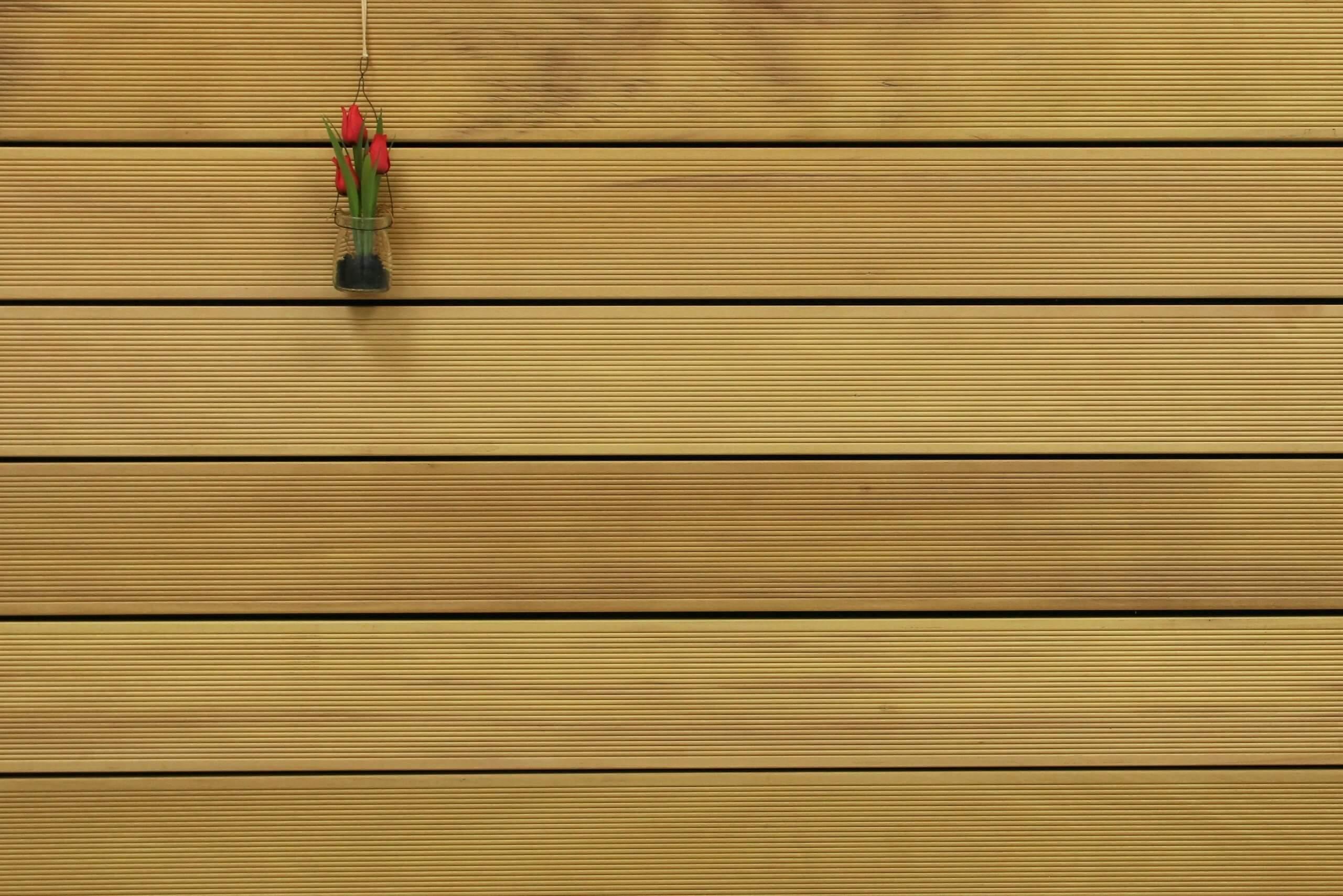 Holzterrasse Garapa, fein gerillt, 45 x 145 bis 6100 mm Dielen, Premium (KD) Holz Bretter für die Terrasse, 21,90 €/lfm