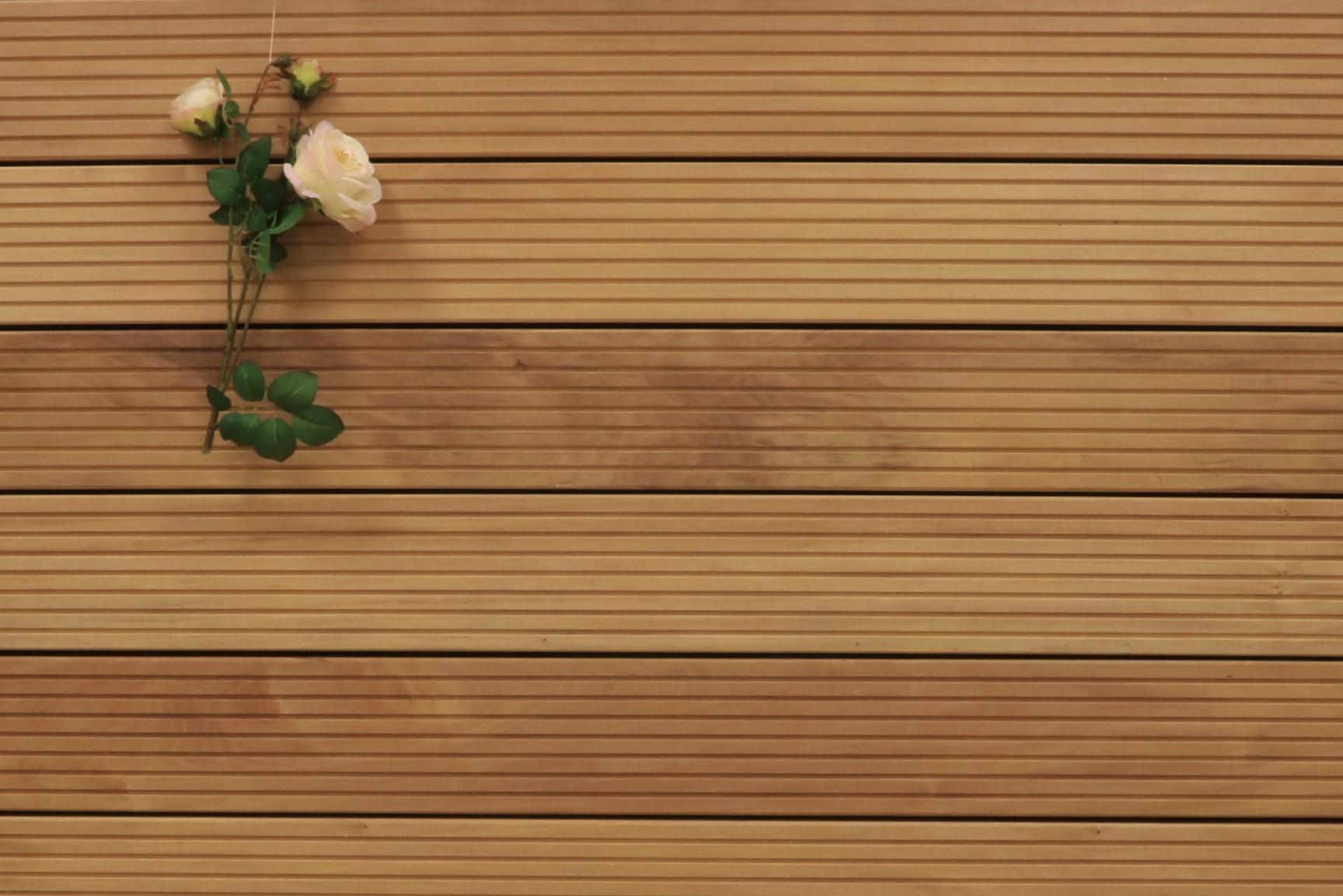 Holzterrasse Garapa, grob genutet, 45 x 145 bis 6100 mm Dielen, Premium (KD) Holz Bretter für die Terrasse, 21,90 €/lfm